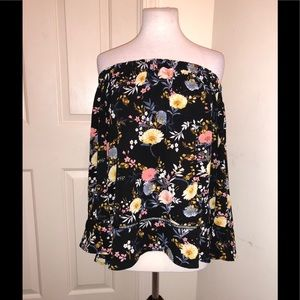 307269bc22f31e EESOME Tops - ❤️EESOME❤️Floral Cold Shoulder Bohemian Blouse